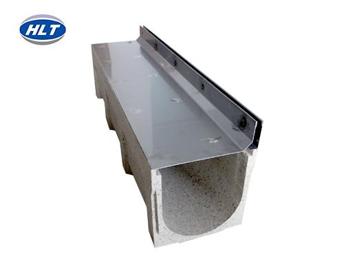 侧单缝线性排水沟